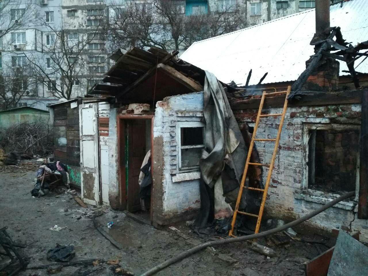 В Запорожской области дочь просила пожарных спасти ее пожилого отца (ФОТО)