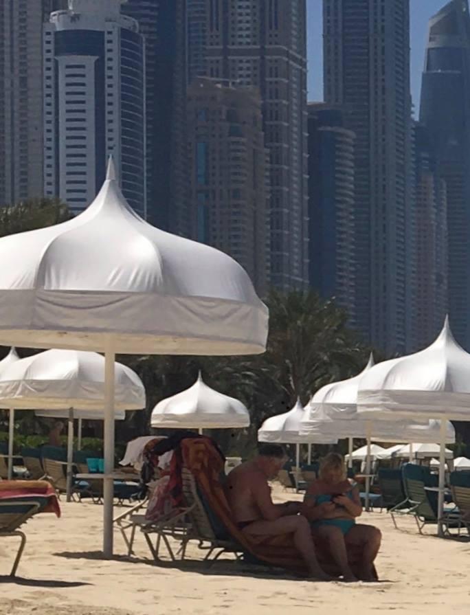 $1000 в сутки: Жебривского засекли на отдыхе в ОАЭ