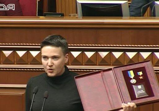 """""""Народ не предам"""": Савченко отказалась отдавать звезду Героя"""