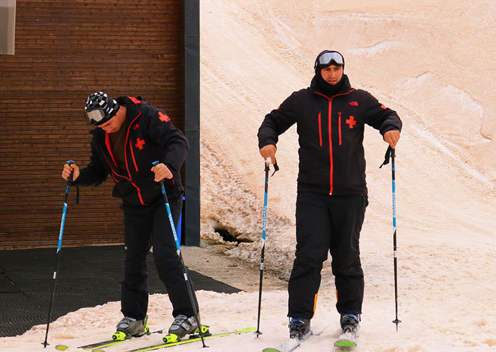 """""""Марсианские пейзажи"""": в горах Грузии выпал красный снег"""