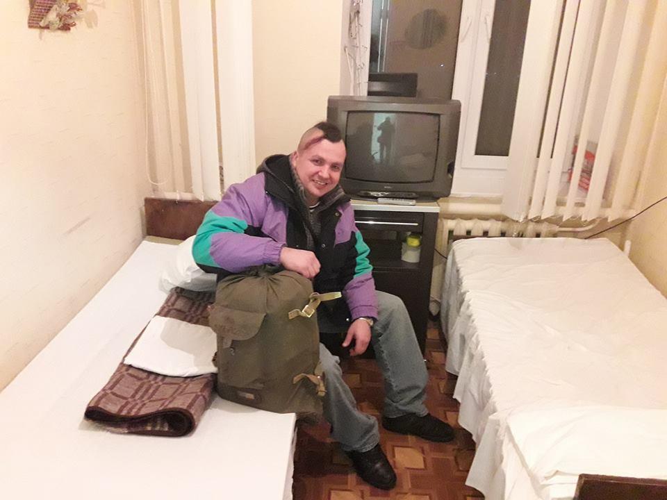 Боец АТО с обмороженными ногами вынужден жить в гараже