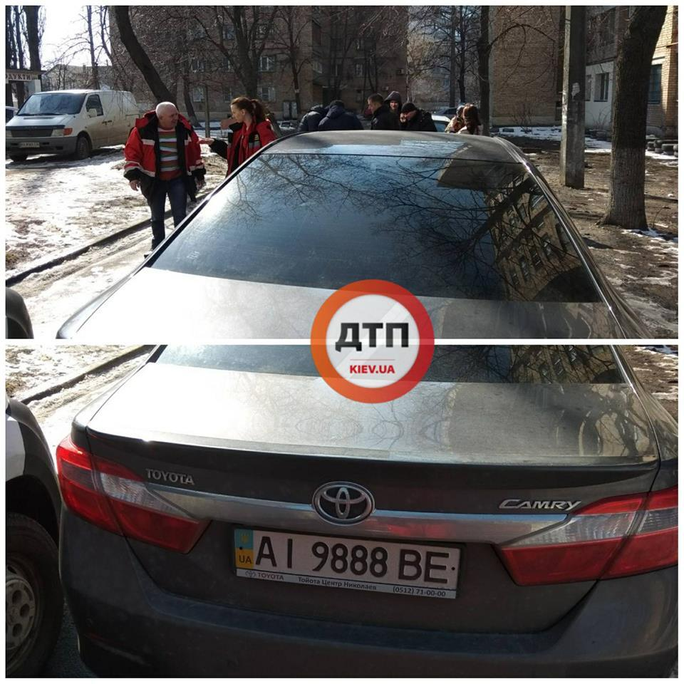 "У Києві напали на бригаду ""швидкої допомоги"""