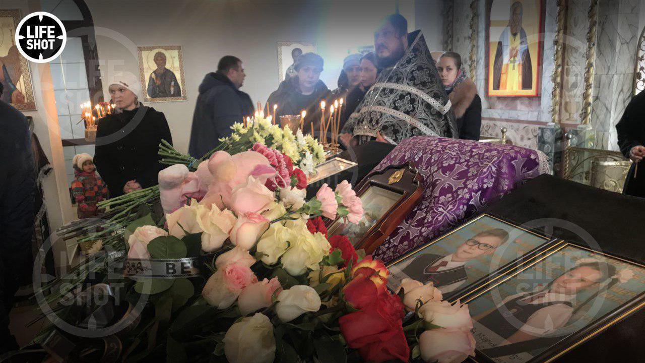 Вся Росія в сльозах: в Кемерово поховали перших жертв пожежі