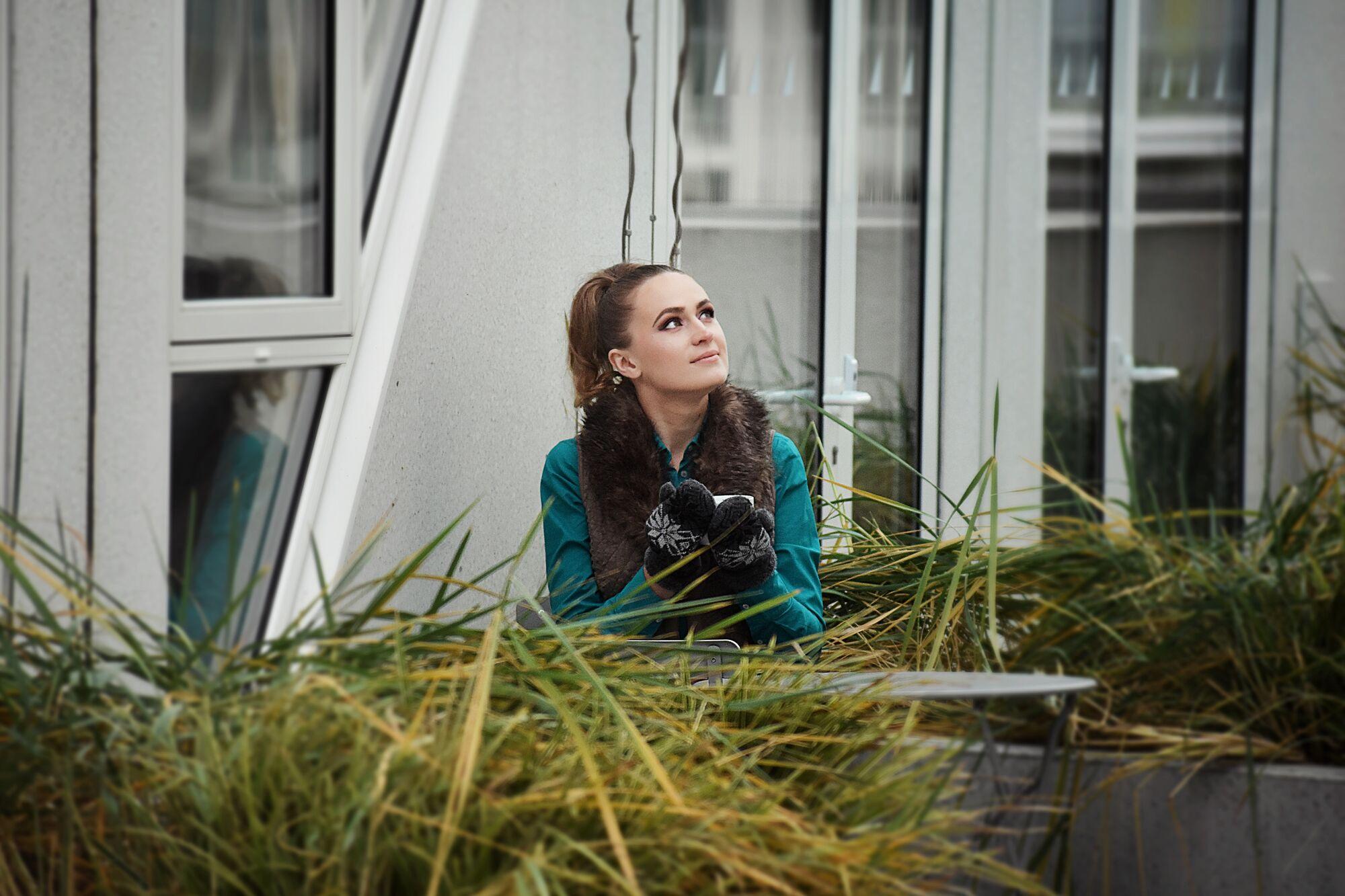 Закончив Житомирский университетЕлена Игнатюк уехала учиться в Данию