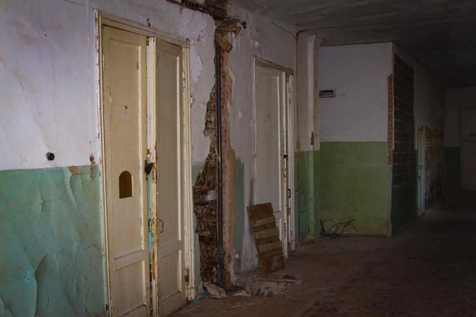 Там лікують дітей: у мережі показали розруху в українській лікарні