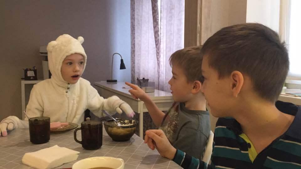 Увезли в неизвестном направлении: в Киеве похитили ребенка