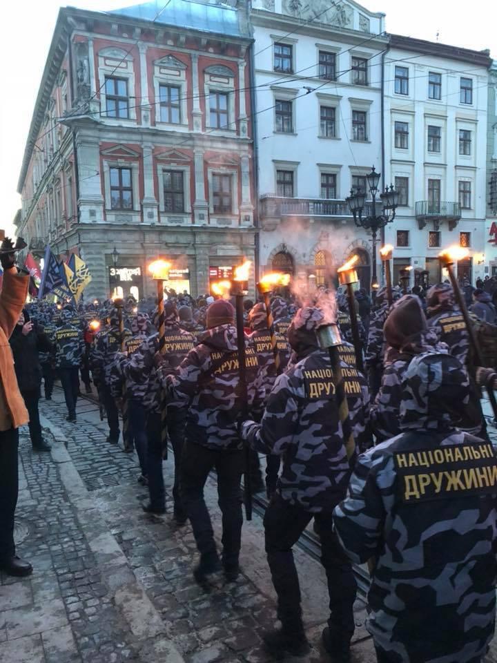 """Во Львове ответили на """"антибандеровские"""" выходки Польши"""