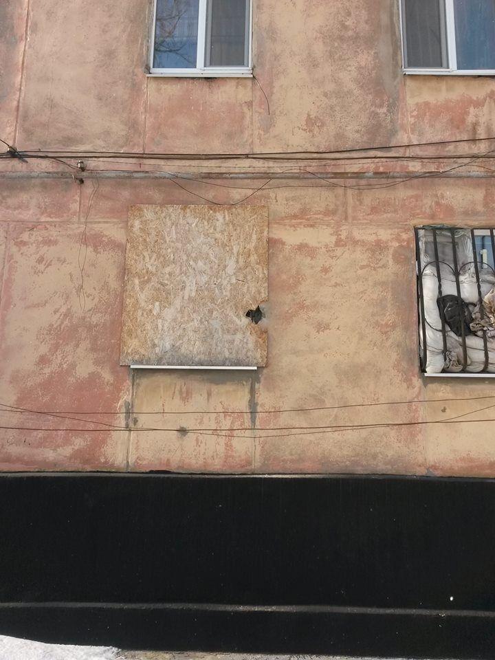 Терористи зірвали перемир'я на Донбасі: з'явилися фото наслідків