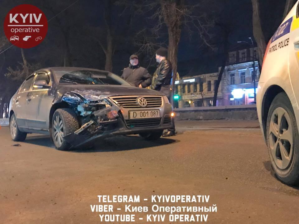 У Києві дипломатичне авто Росії потрапило в ДТП
