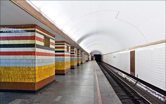 """Станція метро """"Шулявська"""""""