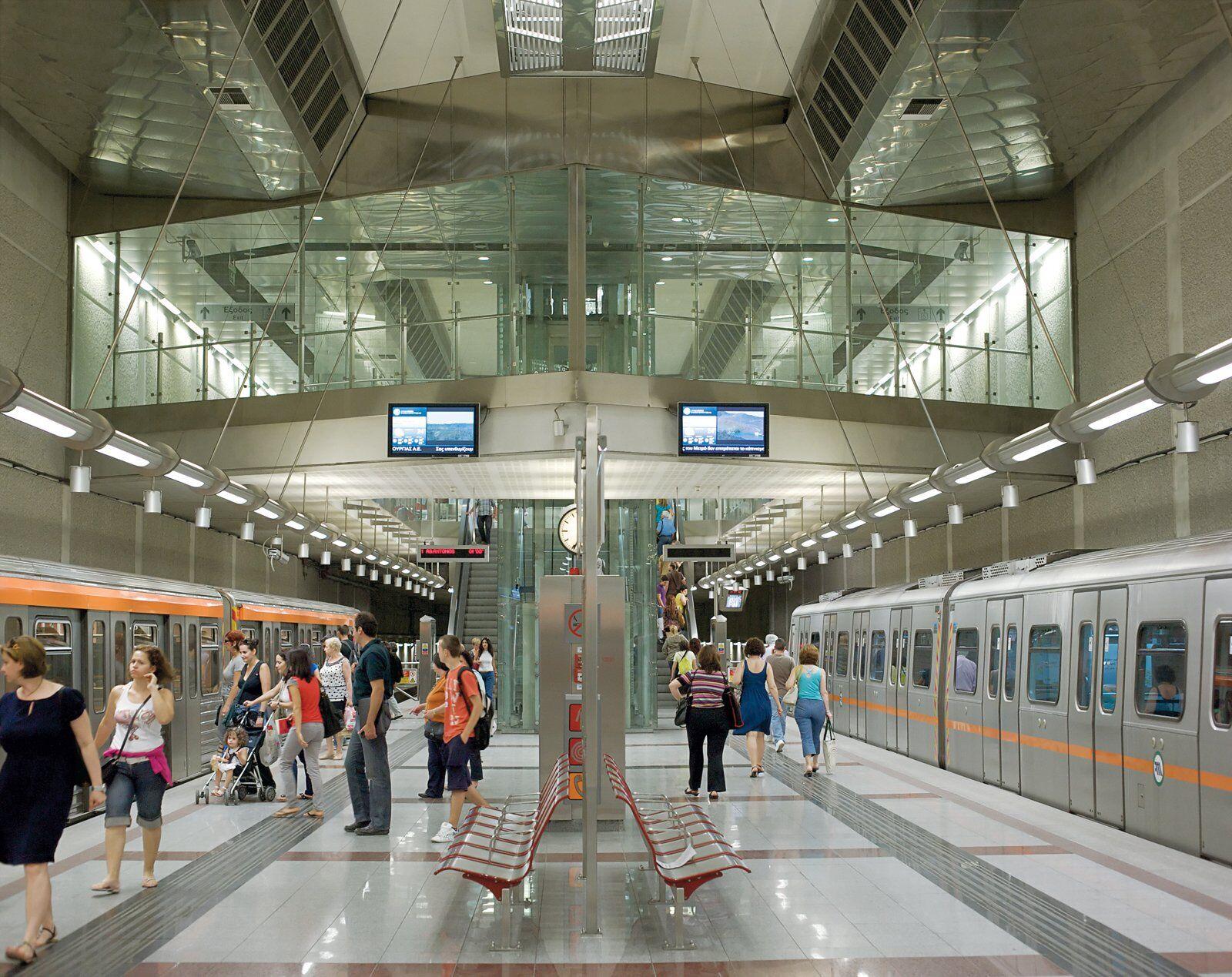 Станція Agios Dimitrios в Афінах