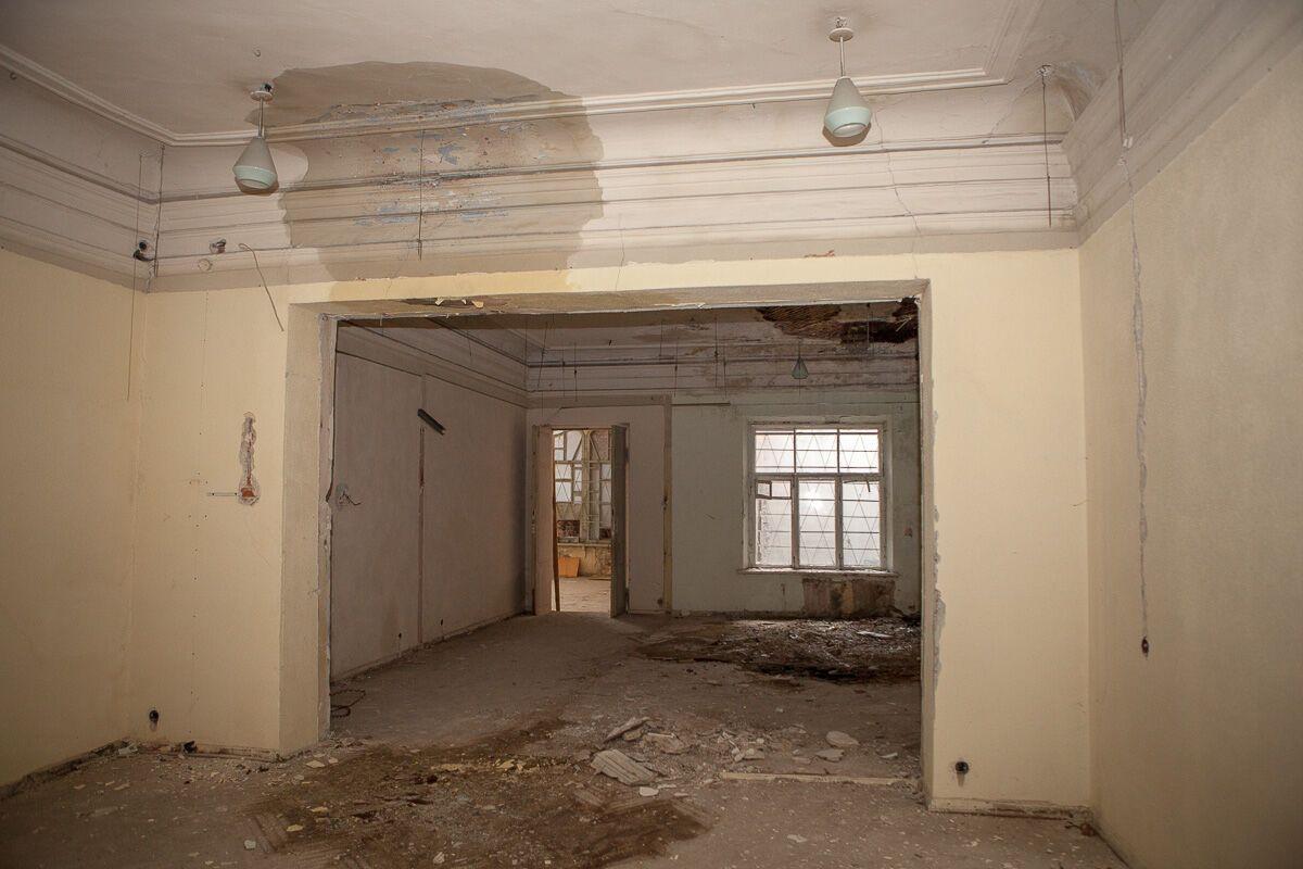 """В Днепре разрушается старинное здание """"Английского клуба"""""""