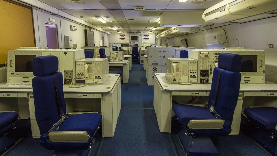 В салоні Boeing E-4