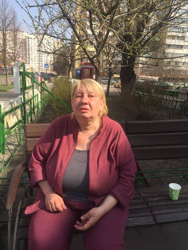 Допоможіть впізнати! У Києві знайшли жінку з провалом в пам'яті