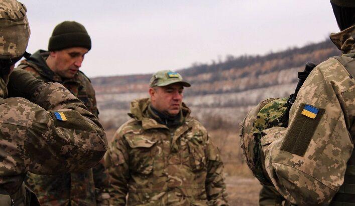 Роман Доник помимо волонтерской помощи занимается обучением пулеметчиков