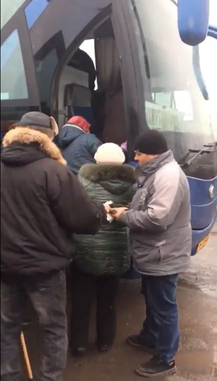 "Проезд от Бахмута до КПВВ ""Майорск"" люди оплачивают прямо в автобусе, без билетов"