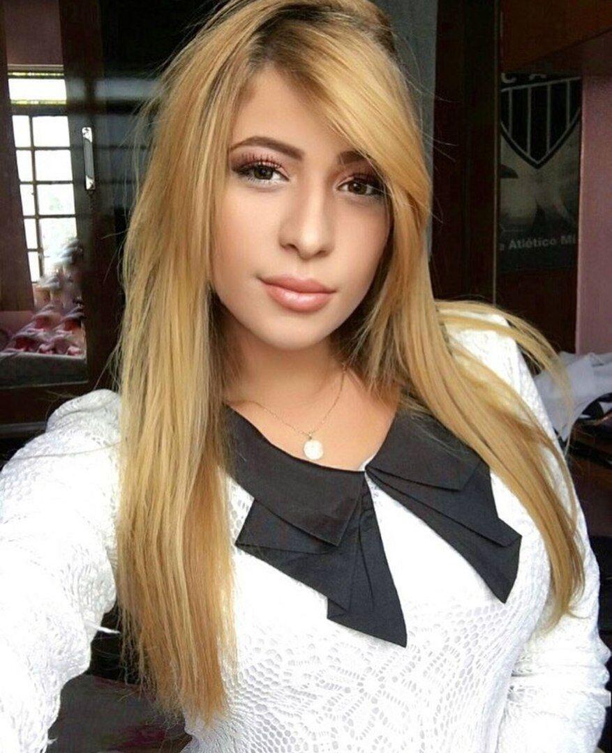 Моника, подруга Фреда