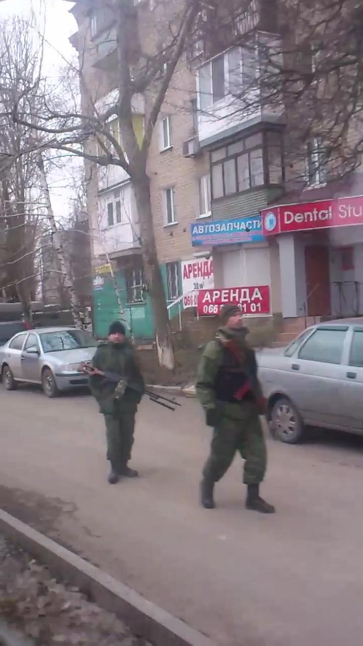 Фубли и патрули. О комендантском часе в Донецке