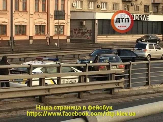 В Киеве пьяный водитель устроил ДТП