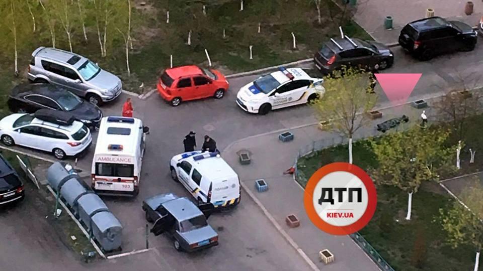 В Киеве посреди улицы нашли труп