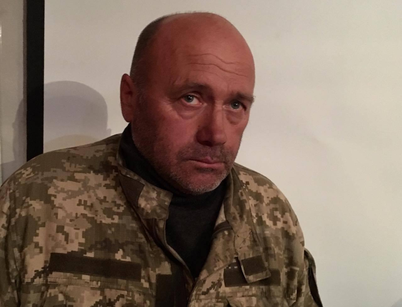 """Говорили, що пропустять мою дружину через роту – екс-старшина """"Донбас-Україна"""""""