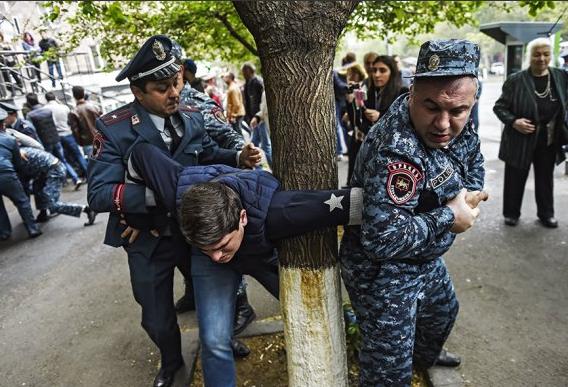 Затримання в Єревані