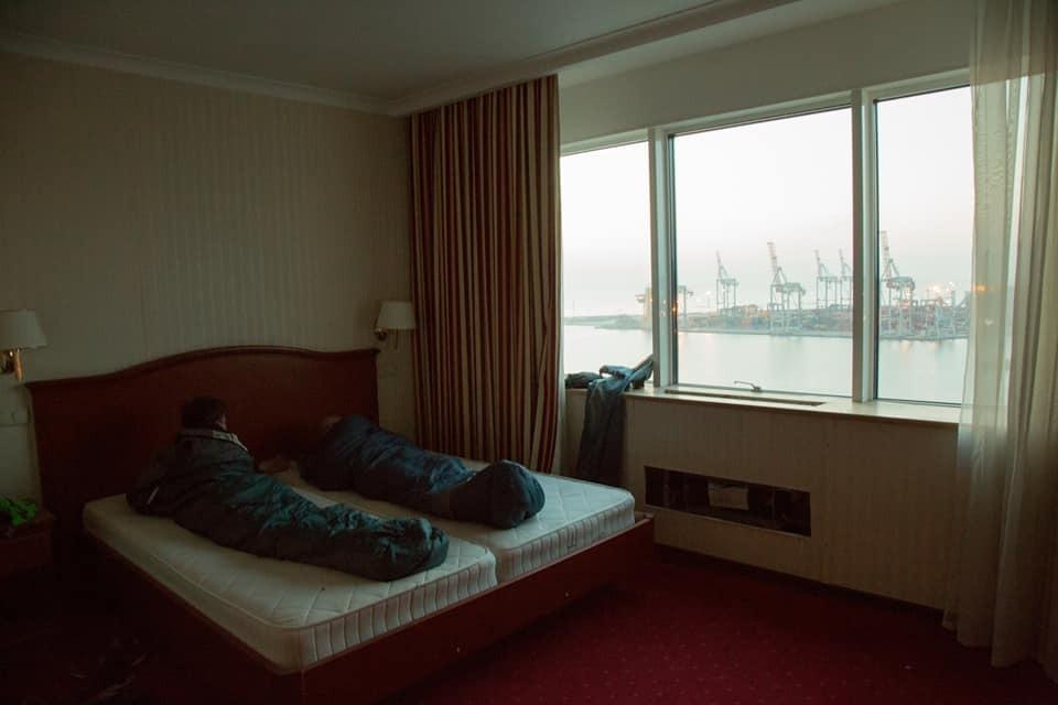 Одеські руфери переночували в найдорожчому номері покинутого готелю