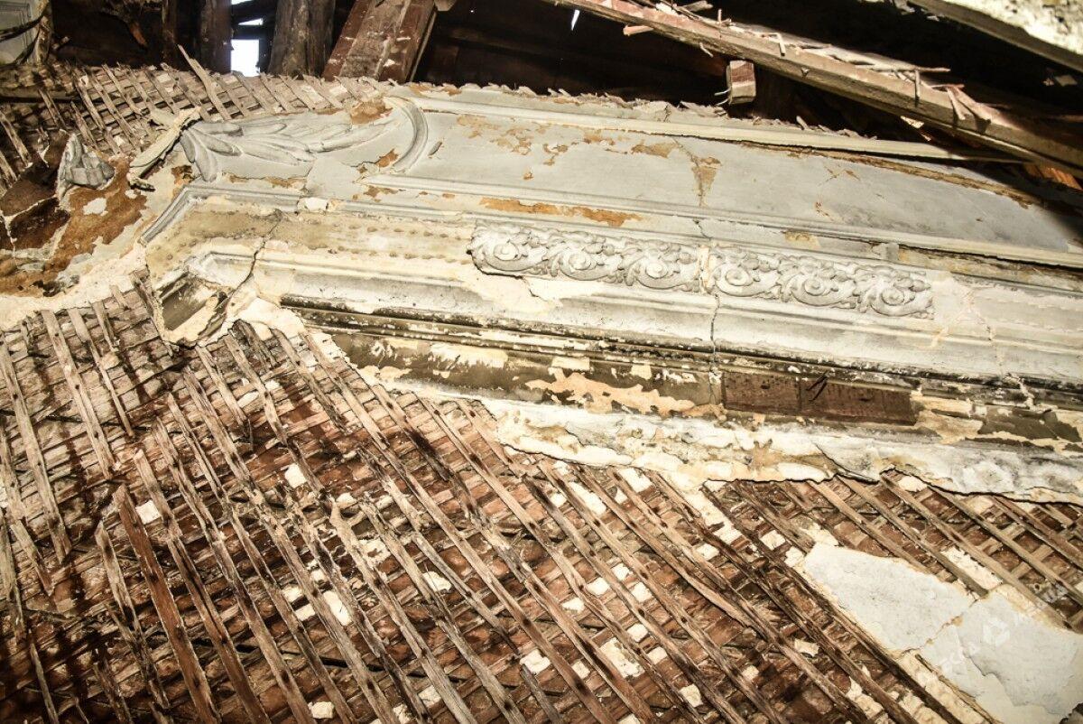 В доме Гоголя в Одессе рухнула крыша