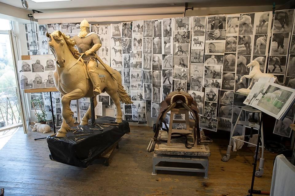 Украинский богатырь стал моделью для памятника