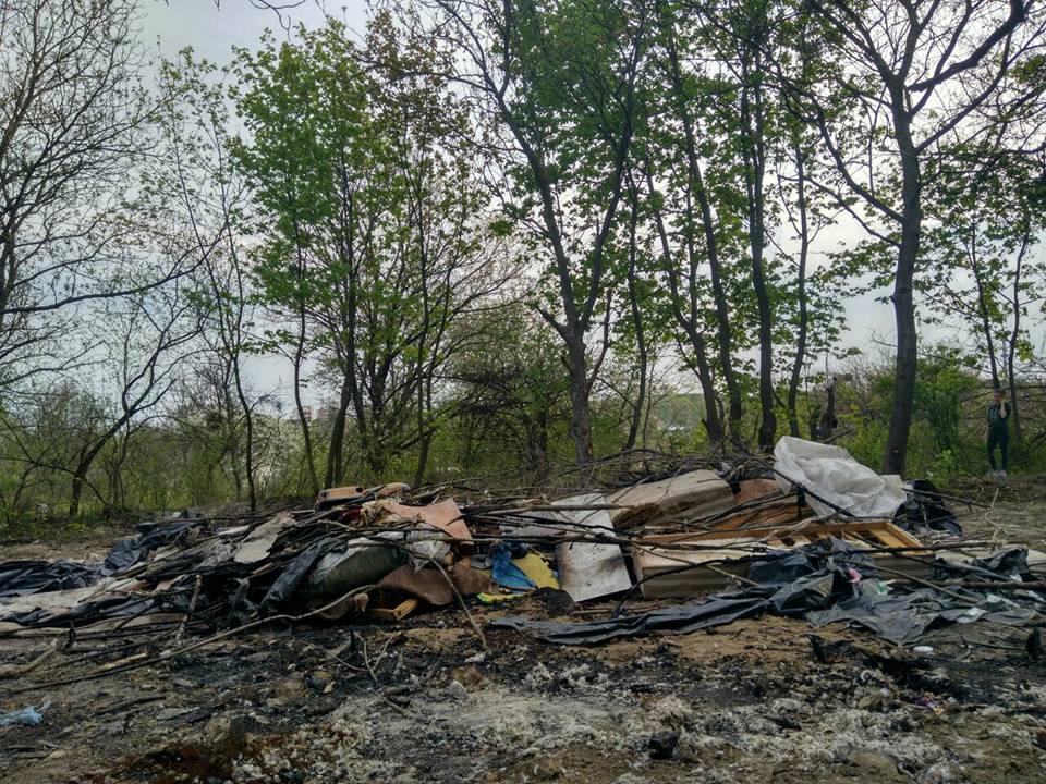Що залишилося від табору ромів в Києві: фото