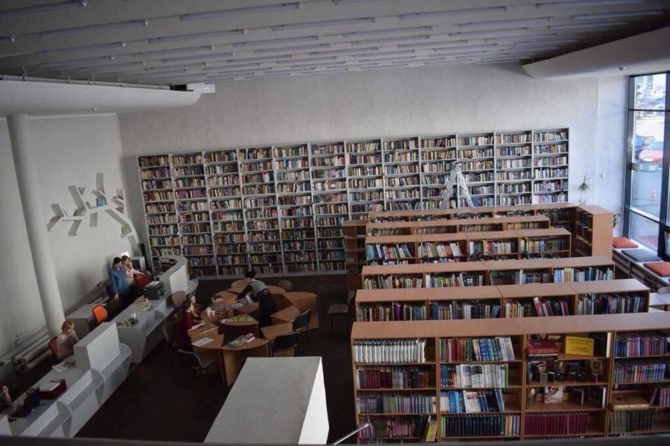 В Киеве детскую библиотеку превратили в современный хаб