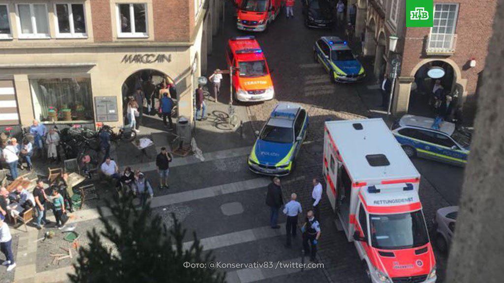 У Німеччині вантажівка в'їхала в натовп: багато жертв і поранених