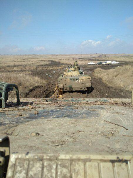 Техніка і солдати РФ підійшли до України: фото