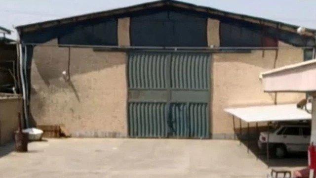Дверь в бункер, где хранился архив