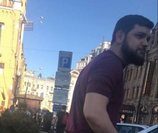 Поліція розшукує одного з підозрюваних в нападі