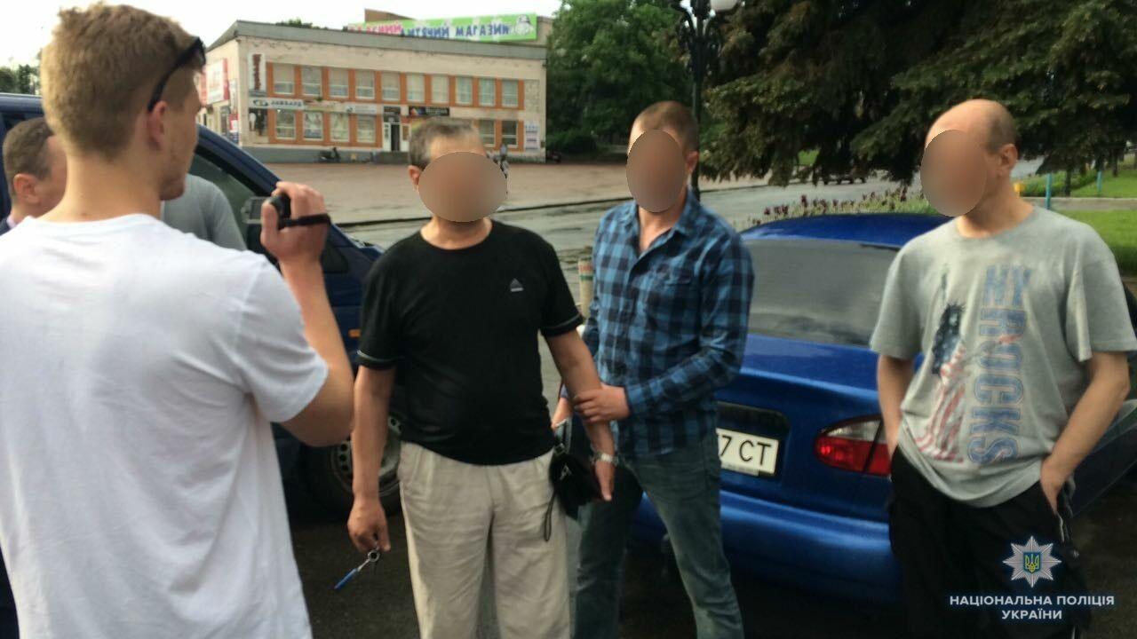 Під Києвом депутата-хабарника впіймали на гарячому