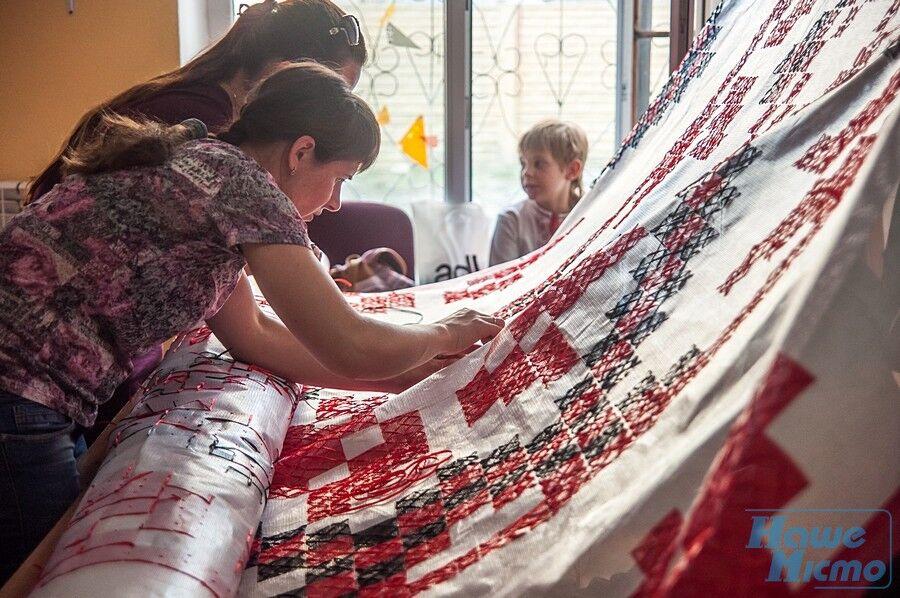 Рекорд ко Дню вышиванки: днепряне готовят масштабный сюрприз