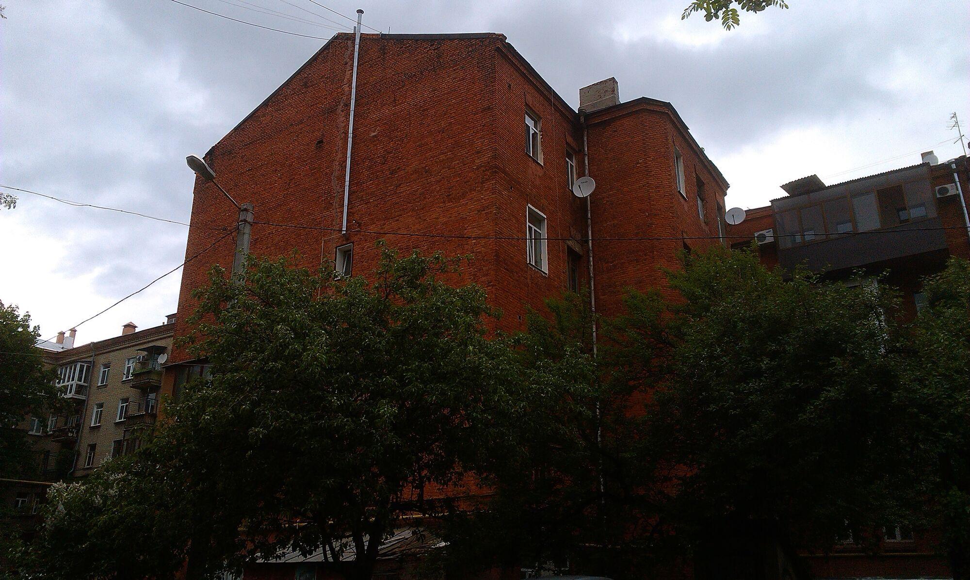 Дом ЧК (со стороны двора)