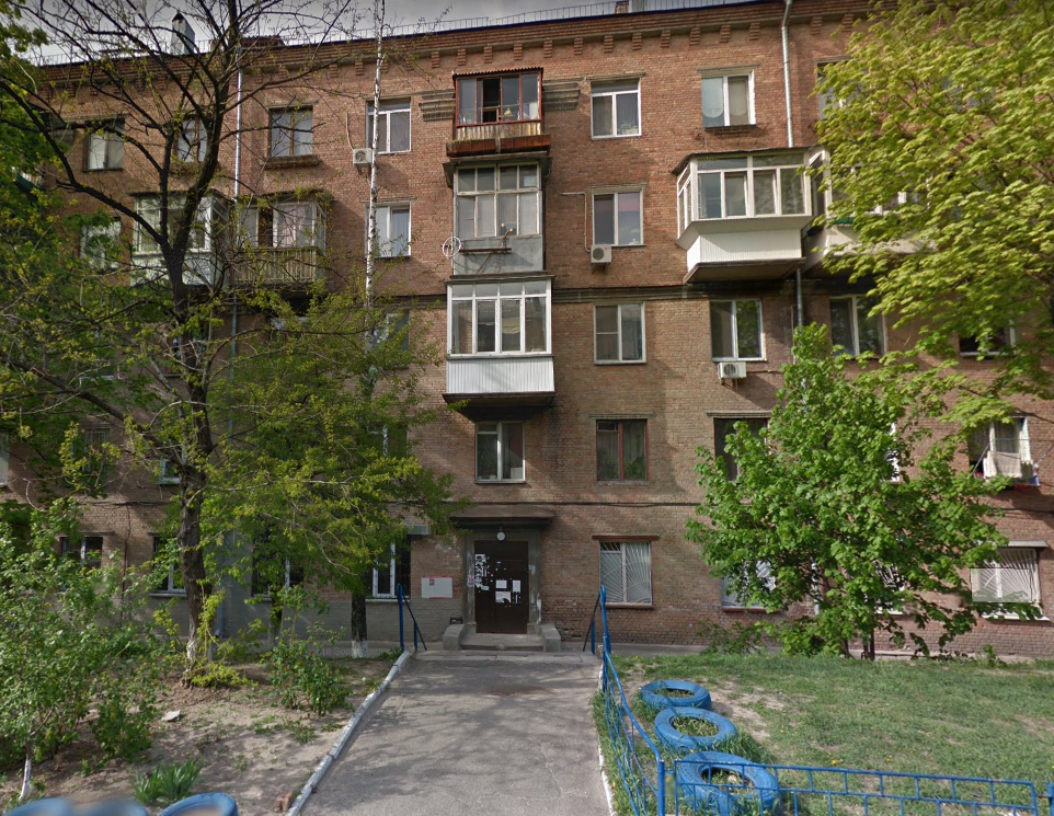 Будинок на вул. Кустанайська, 7, в якому розташований хостел