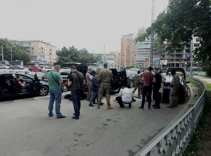 У Харкові затримали кримінального авторитета з арсеналом зброї