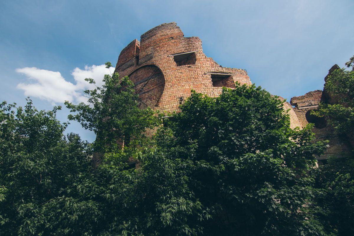 """Як виглядає """"Вавилонська вежа"""" в Києві"""