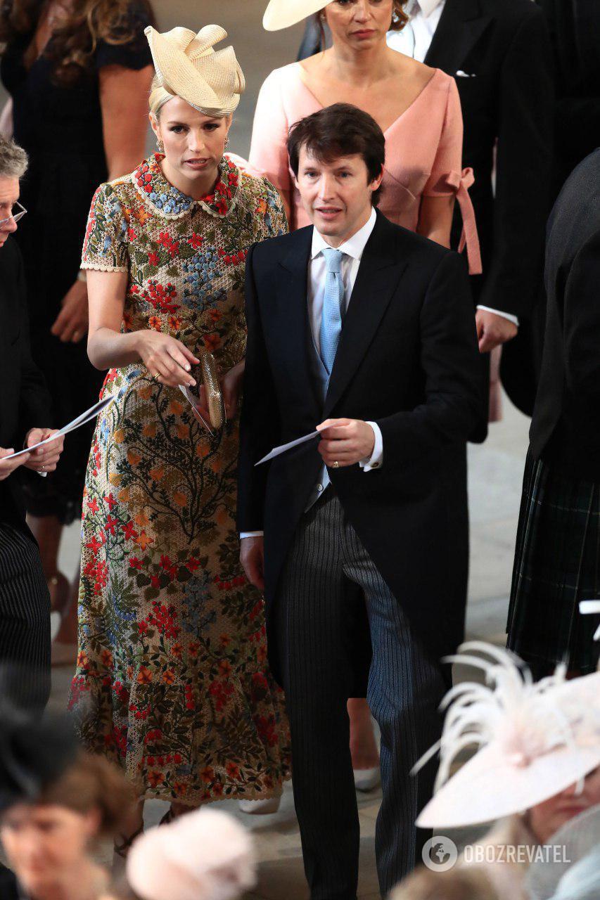 Британский певец Джеймс Блант со своей супругой Софией Уэллсли