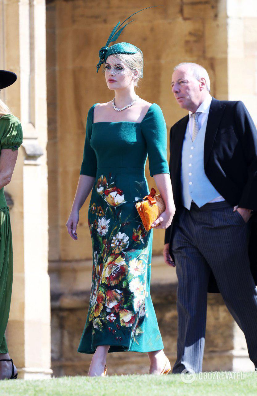 Дочь брата принцессы Дианы Эрла Спенсера - леди Китти Спенсер в платье от Dolce & Gabbana