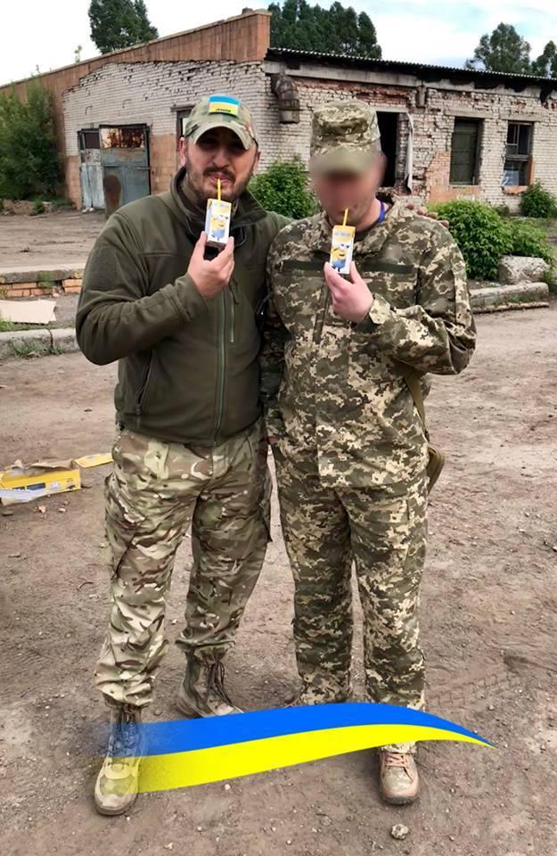 """Волонтер показав командира """"третьої сили"""" на Донбасі"""