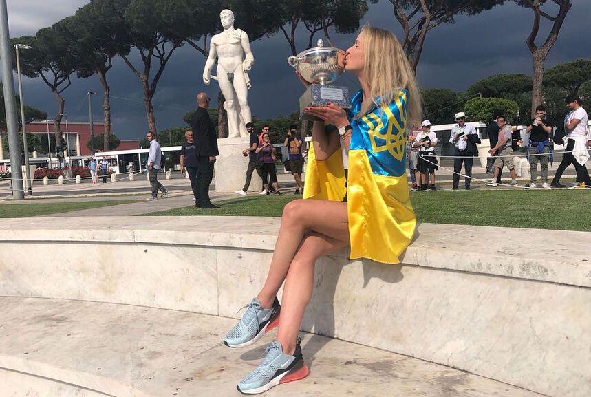 Світоліна з прапором України викликала фурор в Римі