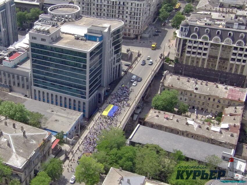 Мегамарш вышиванок в Одессе сняли с высоты: видео
