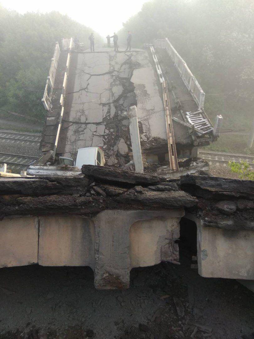 Без вибуху: причина руйнування мосту на Донбасі