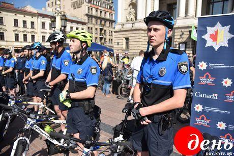 Во Львове появился велопатруль: фото и видео