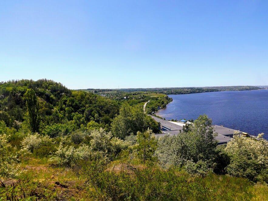 Вид на село Халепье и Каневское водохранилище