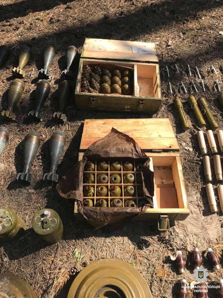 Під Дніпром виявили таємний арсенал з Донбасу
